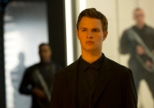 Exclusive 1:1 Interview Insurgent Star Ansel Elgort!