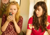A new trailer for Hailee Steinfeld's Barely Lethal is barely entertaining