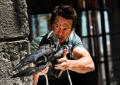 On Set Interview: Mark Wahlberg Talks 'Transformers 4′