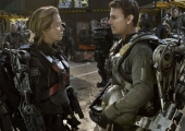 Tom Cruise & Emily Blunt Race To The EDGE OF TOMORROW In Two More Extended TV Spots