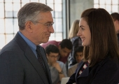 Robert De Niro & Anne Hathaway bond over business in The Intern trailer