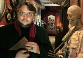 'Crimson Peak' Review: Guillermo del Toro Scares Up Creepy Haunted Mansion Thrills